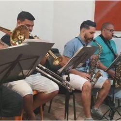 33 - Orquestra  Caravelas - Marconi, Deyvid, Rodrigo e Anderson Prado